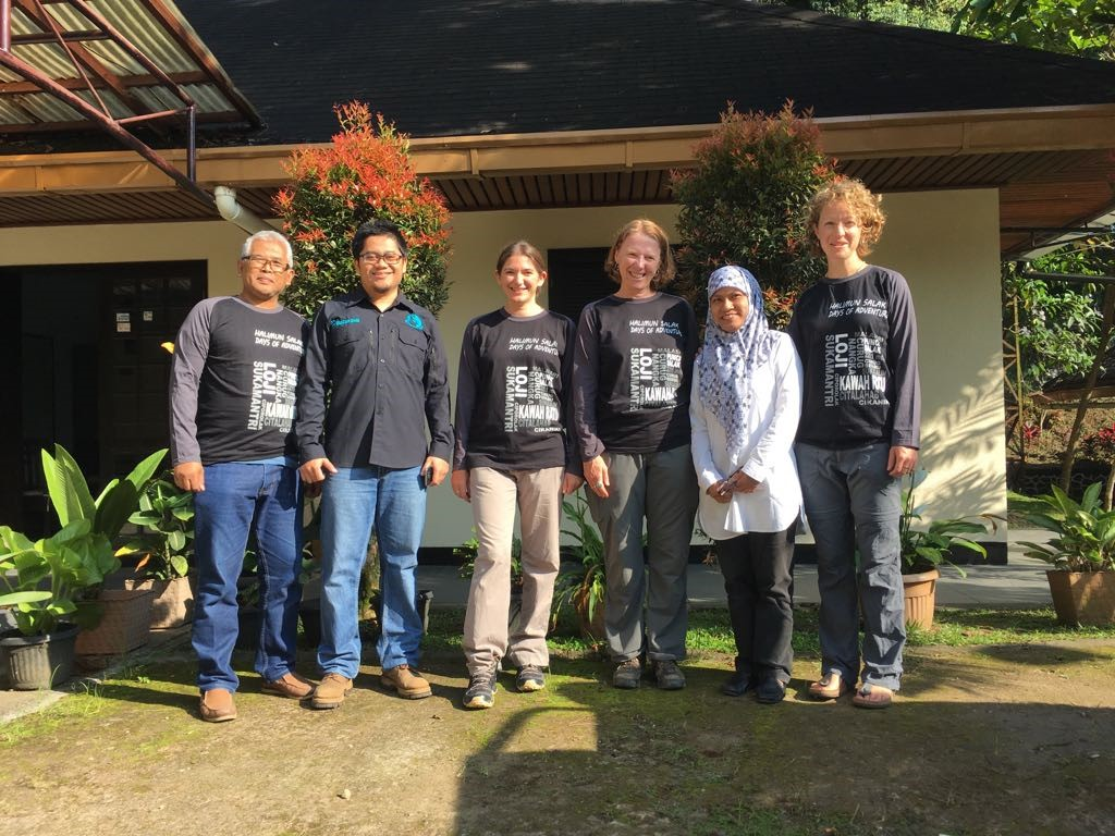 The Indonesia Condatis team outside the Taman Nasional Gunung Halimun Salak (TNGHS) Offices: Pak Lilik, Erlan, Jenny, Jane, Pairah and Lydia.